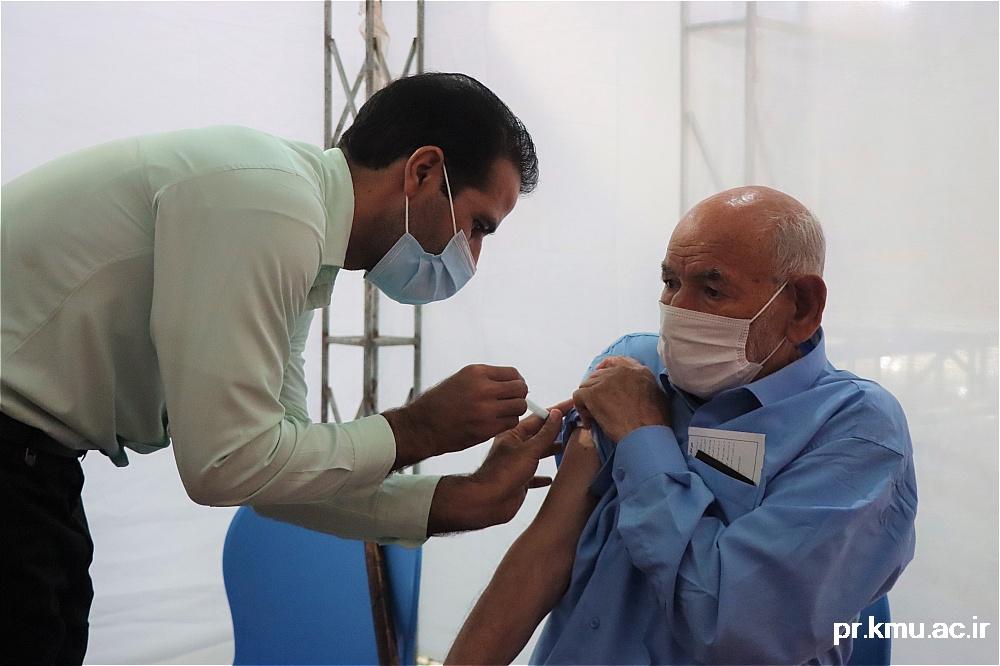 a (9)-گزارشی از روند فعالیت مراکز واکسیناسیون در سه شهرستان راور،کوهبنان و زرند
