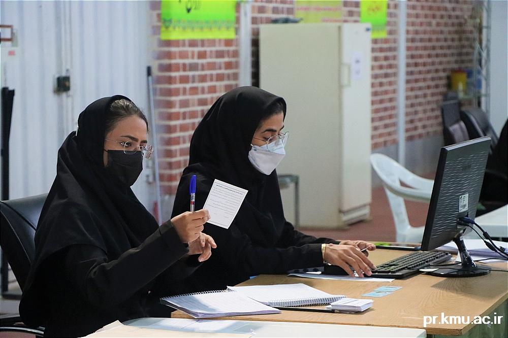 b (2)-گزارشی از روند فعالیت مراکز واکسیناسیون در سه شهرستان راور،کوهبنان و زرند