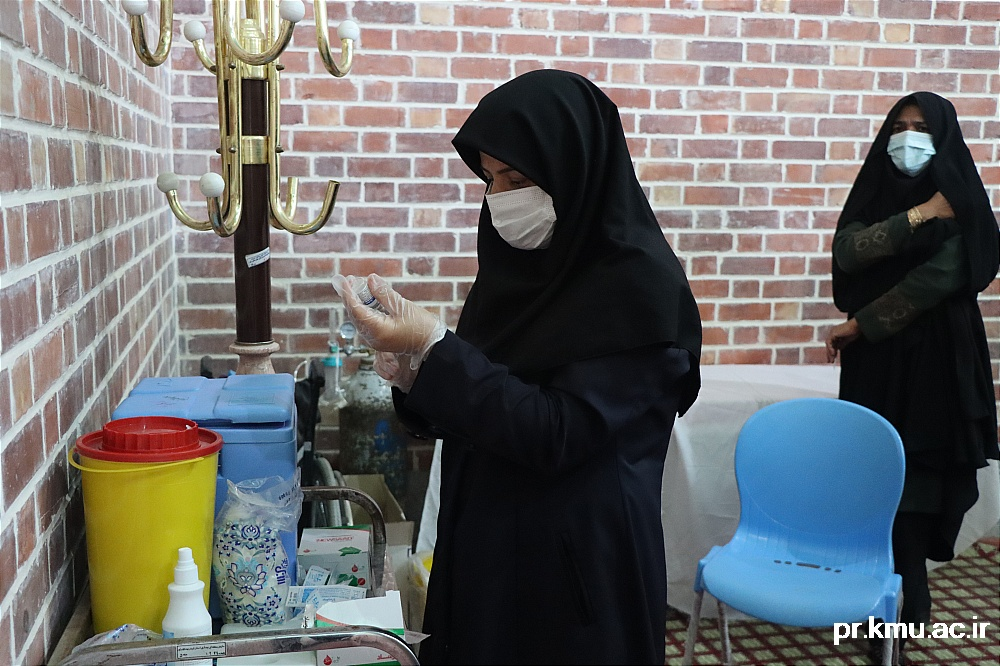 b (3)-گزارشی از روند فعالیت مراکز واکسیناسیون در سه شهرستان راور،کوهبنان و زرند