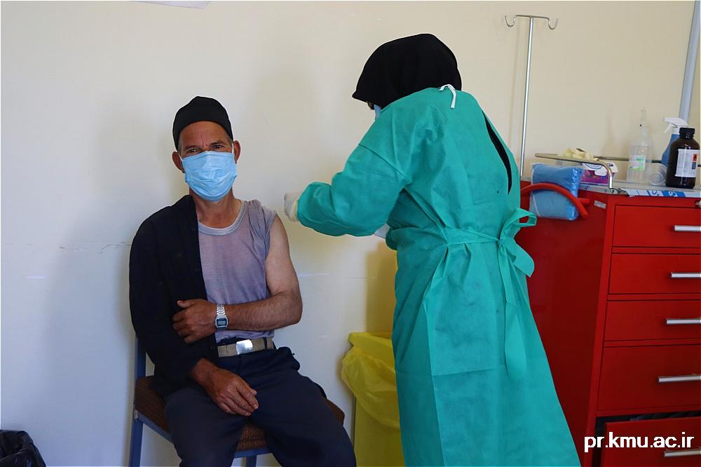 d (7)-گزارشی از روند فعالیت مراکز واکسیناسیون در سه شهرستان راور،کوهبنان و زرند