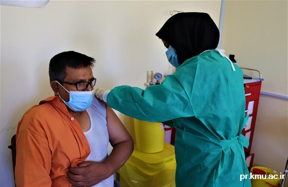 e (2)-گزارشی از روند فعالیت مراکز واکسیناسیون در سه شهرستان راور،کوهبنان و زرند