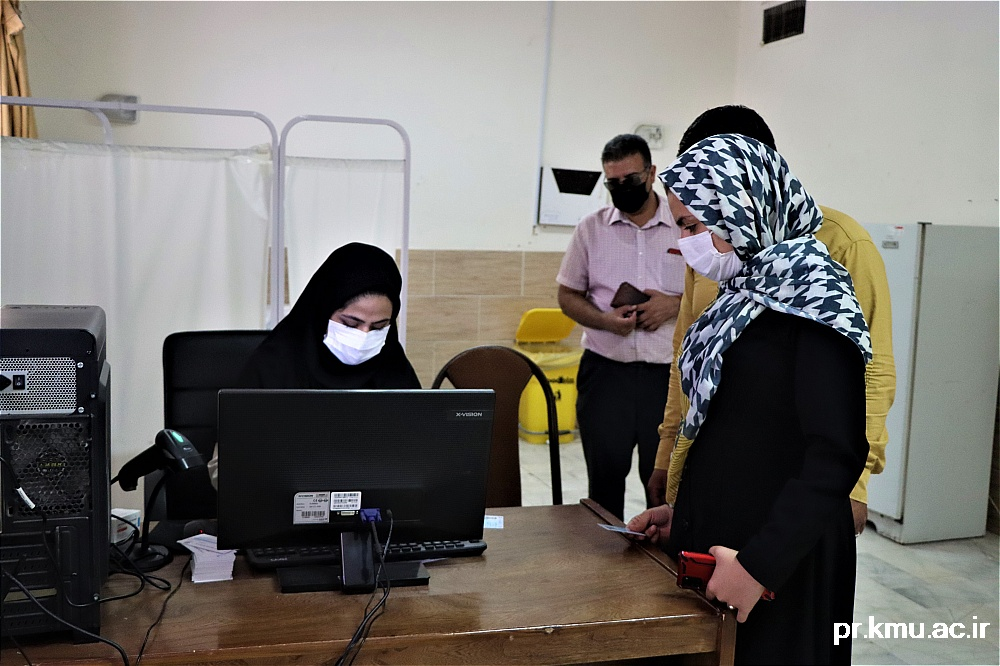 f (7)-گزارشی از روند فعالیت مراکز واکسیناسیون در سه شهرستان راور،کوهبنان و زرند